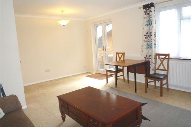 Thumbnail Property to rent in Ilfracombe Way, Lower Earley, Reading