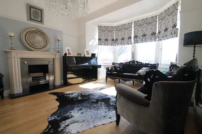 Thumbnail Terraced house to rent in Lake House Road, London