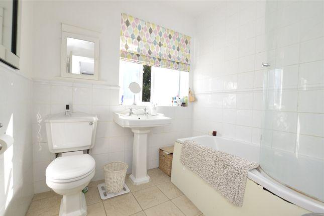 Bathroom of The Grove, Kingsbury NW9