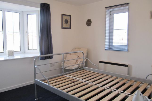 9Cp - Bed 1 of Cory Place, Windsor Quay, Cardiff CF11
