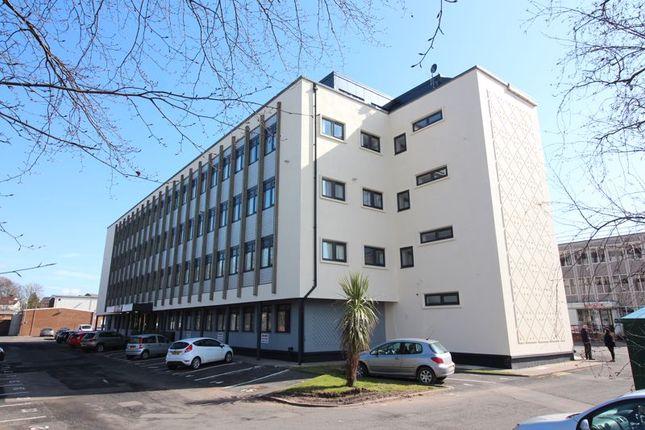 Thumbnail Flat to rent in High Street, Kingswinford