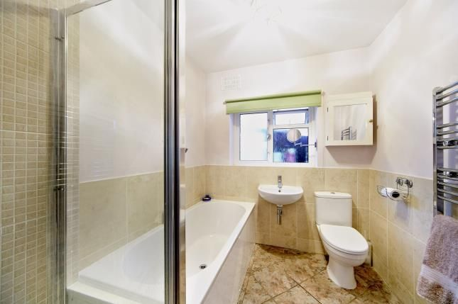 Family Bathroom of Rydons Wood Close, Coulsdon CR5