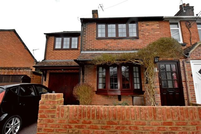 3 bed semi-detached house to rent in Roman Road, Basingstoke RG23