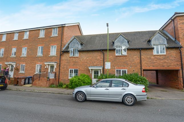 Thumbnail Town house for sale in Tiger Moth Way, Hatfield