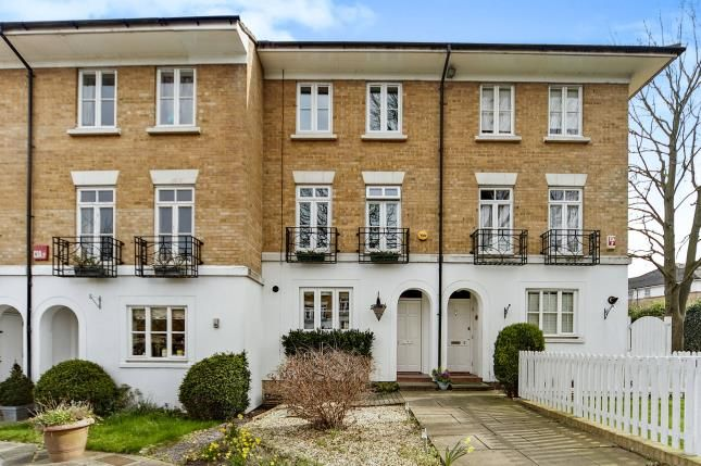 Thumbnail Terraced house for sale in Courtenay Avenue, Sutton, Surrey, Greater London