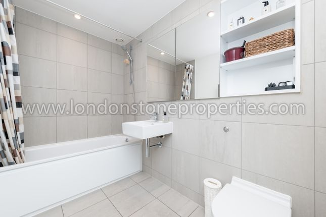 Modern Bathroom of Major Draper Street, London SE18
