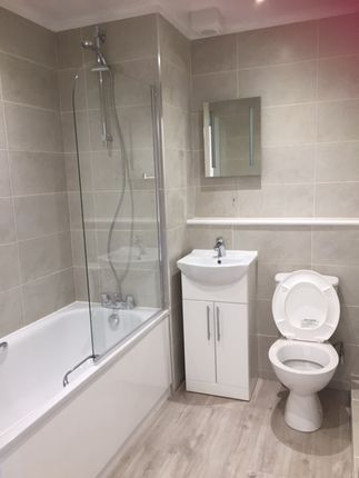 Thumbnail Flat to rent in Beverley Way, London