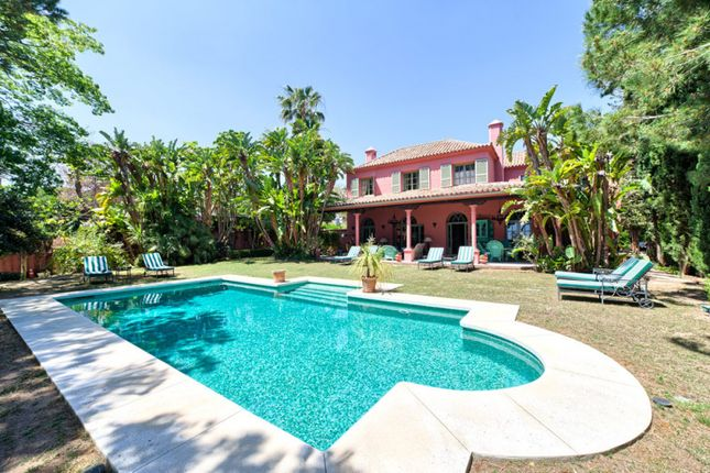 Thumbnail Villa for sale in Hacienda Las Chapas, Marbella East, Malaga, Spain