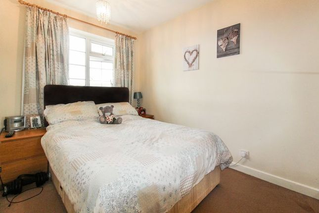 Photo 10 of Orpington Close, Luton LU4