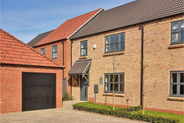 3 bed terraced house for sale in Rectors Gate, Retford