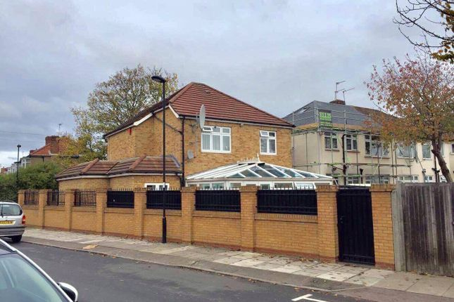 Thumbnail Detached house for sale in Bowood Rd, Enfield London