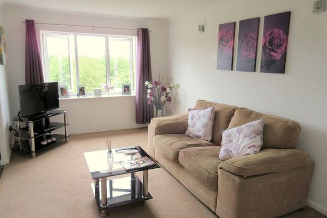 Thumbnail Flat to rent in Hasfield Close, Quedgeley, Gloucester