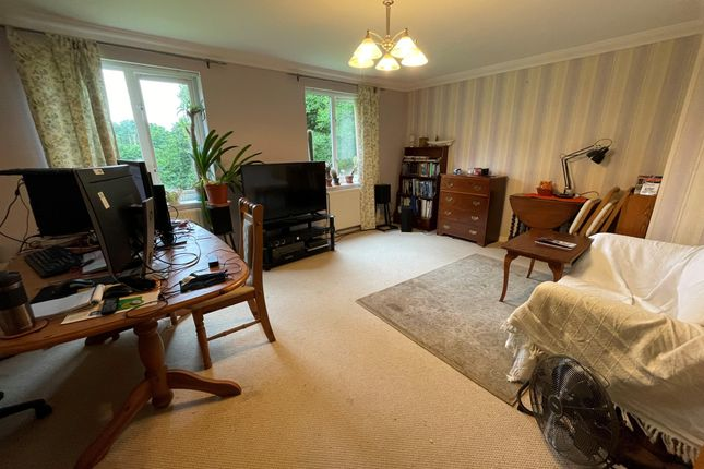 2 bed flat to rent in The Waterside, Hellesdon, Norwich NR6