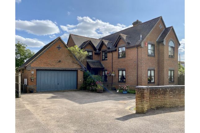 Thumbnail Detached house for sale in Greenway, Campton, Shefford