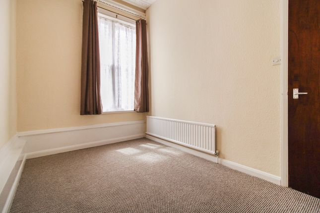 Bedroom of The Overcliffe, Northfleet, Kent DA11
