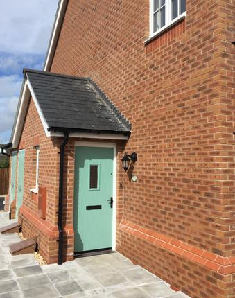 2 bed flat to rent in Cilfach Crwys, Penrhosgarnedd, Bangor, Gwynedd LL57