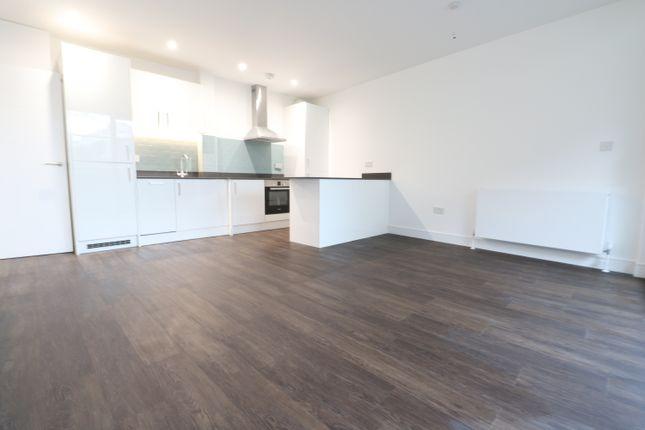 Thumbnail Flat to rent in Goldington Crescent, London