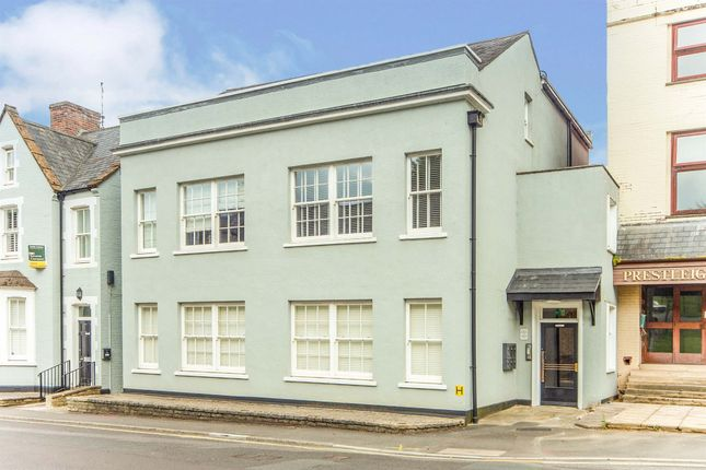 2 bed flat for sale in Hendford, Yeovil BA20