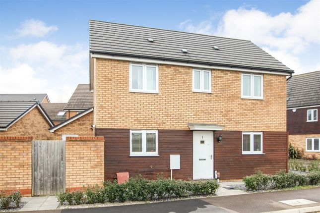 3 bed detached house for sale in Wryneck, Leighton Buzzard LU7