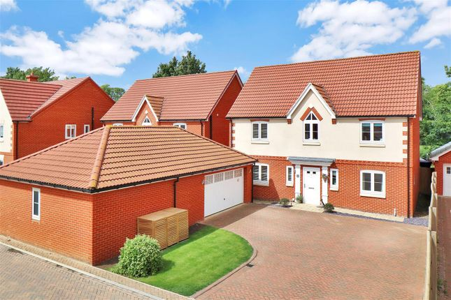 Thumbnail Detached house for sale in Garden Close, Grantham