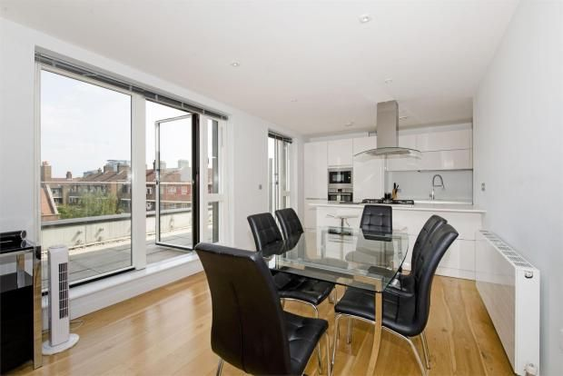 Thumbnail Flat to rent in Heneage Street, Aldgate