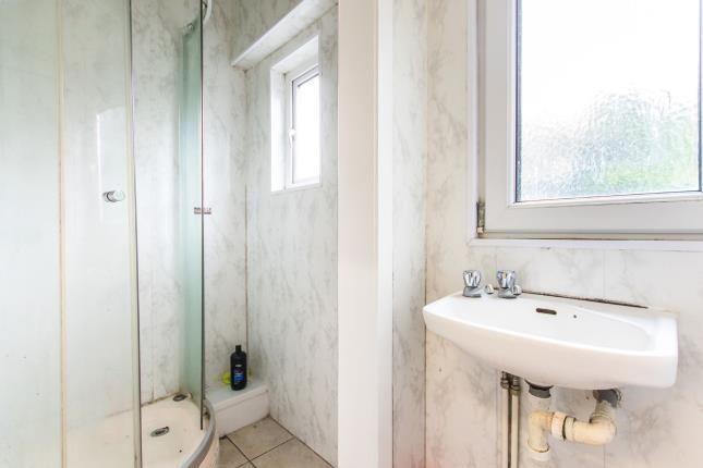 Apartment 1 Shower R
