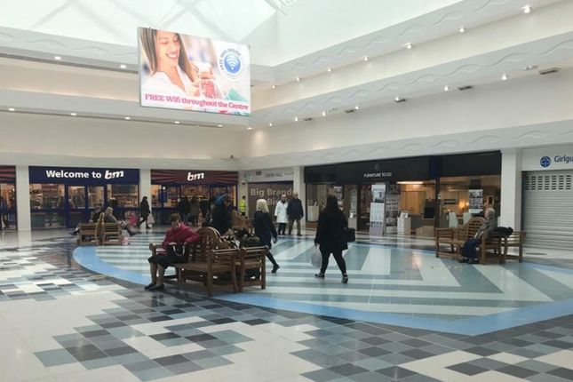 Thumbnail Leisure/hospitality to let in Unit 87 (48 Thackeray Mall), Fareham Shopping Centre, Fareham