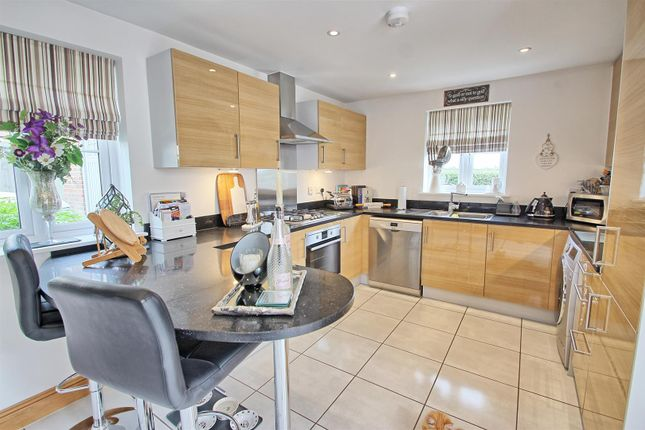Kitchen3 of Hempstalls Close, Hunsdon, Ware SG12