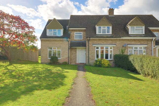 Thumbnail Semi-detached house for sale in The Avenue, Chinnor
