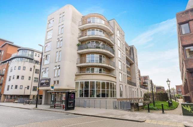 Thumbnail Flat for sale in 15 Lower Canal Walk, Southampton, Hampshire
