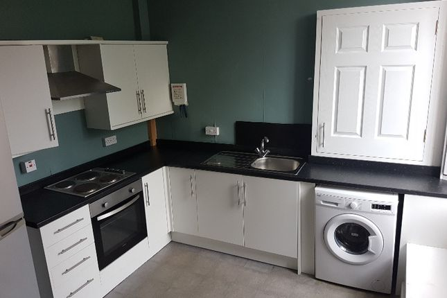 Thumbnail Flat to rent in High Street, Penicuik, Midlothian