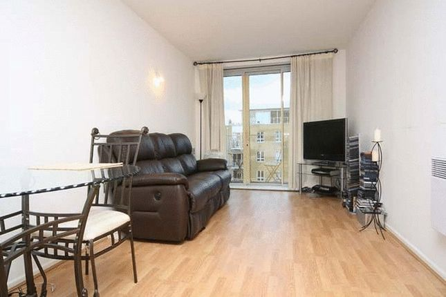 Flat to rent in Adriatic Building, Limehouse