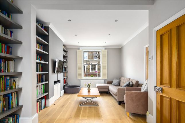 3 bed property for sale in Grantley Street, Stepney, London E1