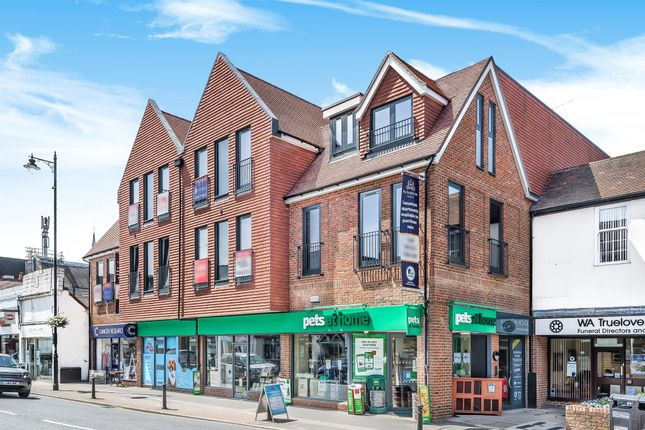 1 Bed Flat For Sale In The Chine High Street Dorking Rh4
