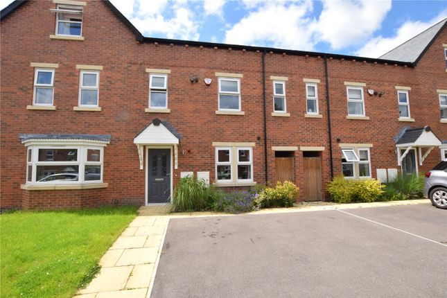 Thumbnail Town house for sale in Maple Gardens, Leeds