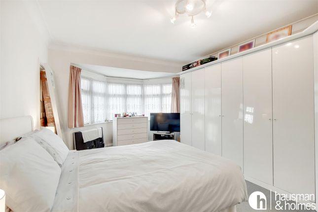 10_Master Bedroom-1