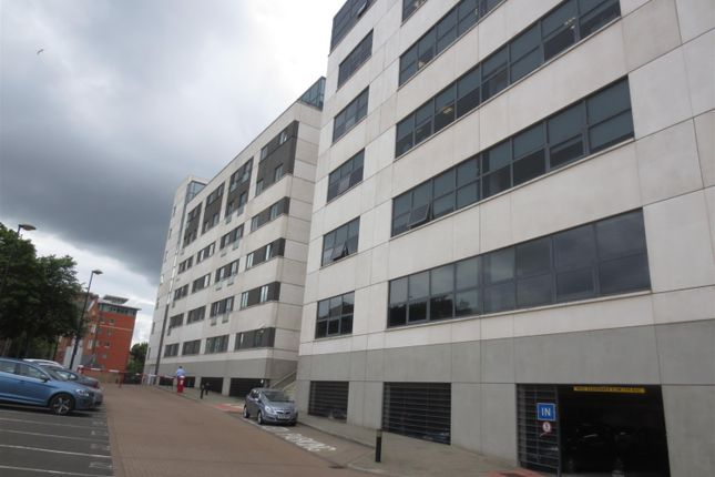 Thumbnail Flat for sale in City Gate, City Centre, Newcastle Upon Tyne
