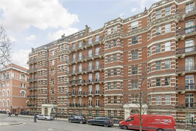 4 bed flat for sale in Carlisle Place, London