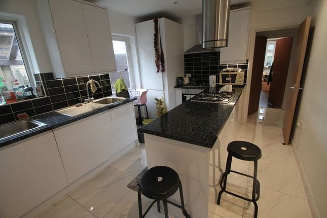 Thumbnail Semi-detached house to rent in The Greenway, Uxbridge