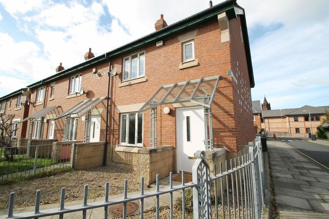 3 bed terraced house to rent in Palin Close, Middlesbrough TS4