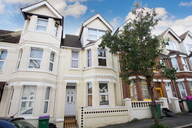 5 bed terraced house to rent in Victoria Road, Folkestone CT19