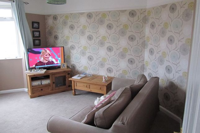 Thumbnail 2 bed maisonette for sale in Brighton Road, Lower Kingswood, Tadworth, Surrey.