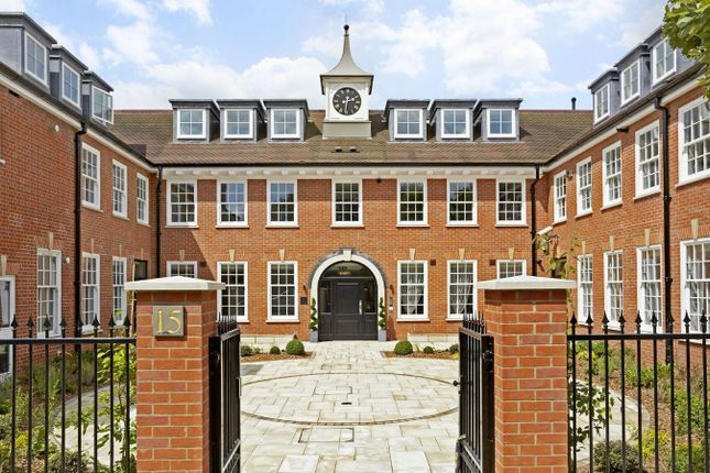 Thumbnail Flat for sale in Park Gate Court, High Street, Hampton Hill, Hampton