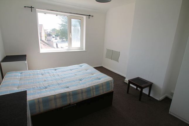 Flat to rent in North Hyde Road, Hayes