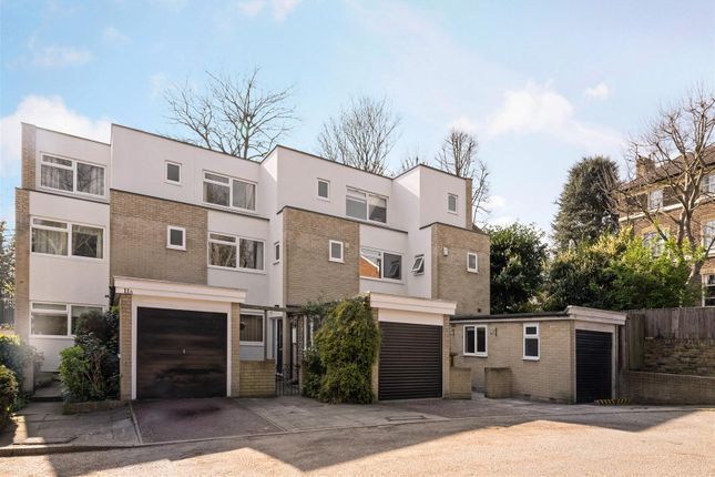 Thumbnail Property for sale in Lansdowne Road, Wimbledon