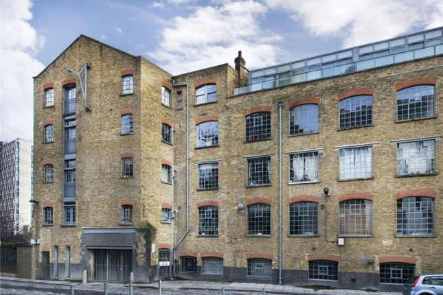 Thumbnail Property for sale in Chandlery, 40 Gowers Walk, London