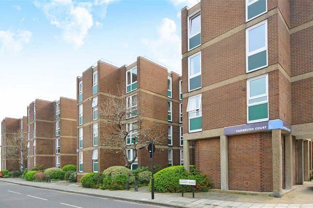 Thumbnail Flat to rent in Wincott Street, London