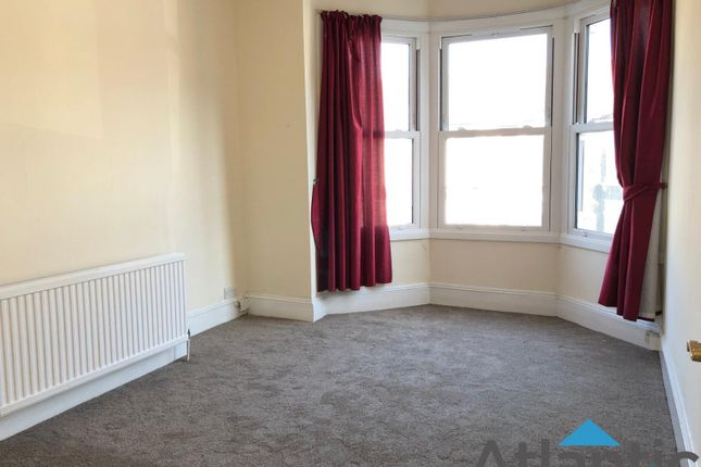 Thumbnail Flat to rent in Sydney Road, Turnpike Lane