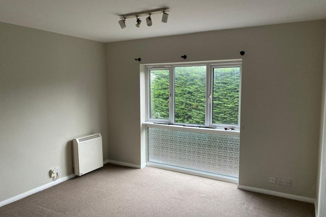 Thumbnail Flat to rent in Athill Court, St Johns Road, Sevenoaks
