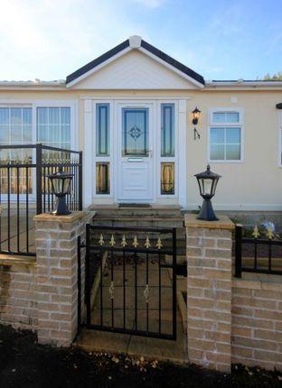 Thumbnail Mobile/park home for sale in Hillhead Caravan Park, Kintore, Aberdeenshire